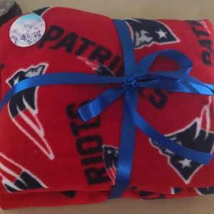 Warm blanket for fans of Patriots Team. New!!!